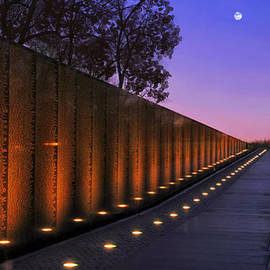 Vietnam Veterans Memorial by Michael Rucker
