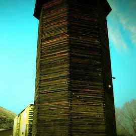 Wooden silo by Jeff Swan