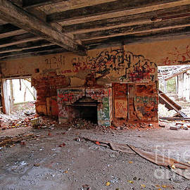Mudlavia Hotel Remains, Indiana by Steve Gass