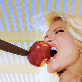 9935 Red Apple and Blonde Model Selena by Amyn Nasser