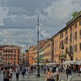 A Busy Piazza Navona by Patricia Caron