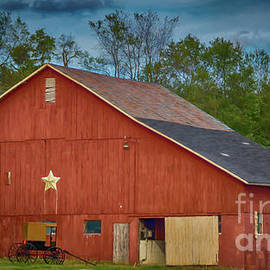 A Red Pennsylvania Amish Barn by Janice Pariza