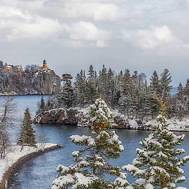 A Snowy Split Rock Lighthouse by Susan Rissi Tregoning