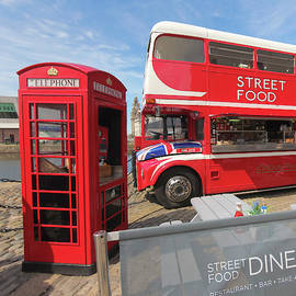 A Street Food Diner, Liverpool, England, GB, UK by Derrick Neill