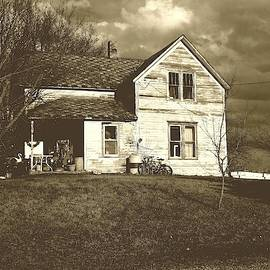A Town House by Curtis Tilleraas