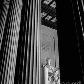 Abraham Lincoln Memorial Washington Dc by Edward Fielding