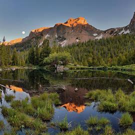 Absaroka Range Reflection by Leland D Howard