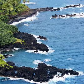 An Aerial Scene Along the Island's East Coast, Maui, Hawaii by Derrick Neill
