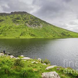 Annascaul Lake by Eva Lechner
