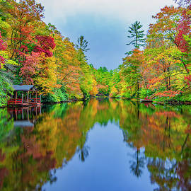 Autumn On Mirror Lake by Andy Crawford