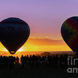 Balloon Glow by Susan Warren