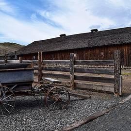 Barn at James Cant Ranch by Dana Hardy