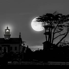 Battery Point Lighthouse In Moonlight by Leland D Howard