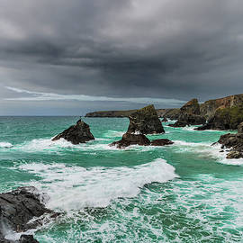 Bedruthan Steps, Cornwall by Maggie McCall