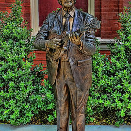 Allen Beatty - Bill Monroe Statue - Nashville