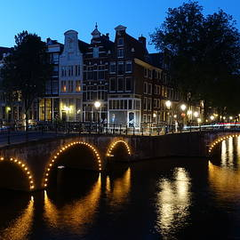 Blue hour in Amsterdam by Patricia Caron