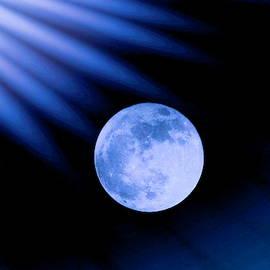 Karen Silvestri - Blue Rays On The Moon