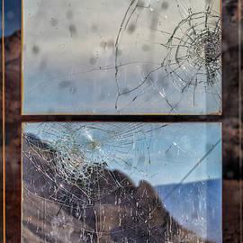 Broken Dreams by Laura Roberts