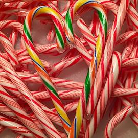 Candy Cane Heart by Denise Mazzocco