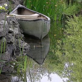 Canoe by Randall Dill