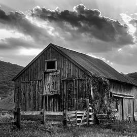Casey's Barn - Monochrome by T-S Photo Art