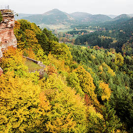 Castle Altdahn by Joerg Schwanke