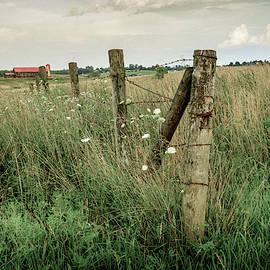 Central Kentucky farm by Alexey Stiop