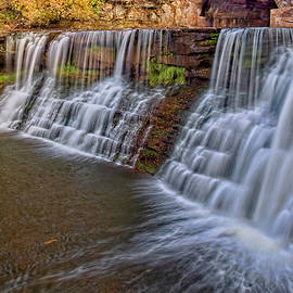 Chagrin Waterfall by Marcia Colelli