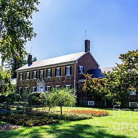 Chatham Manor by Richard Thomas