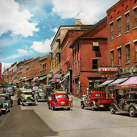 City - Brattleboro VT - No parking on Main St 1941 by Mike Savad