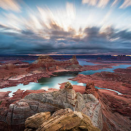 Cloudy Morning At Lake Powell by James Udall