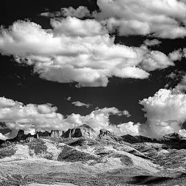 Colorado Valley II by Jon Glaser