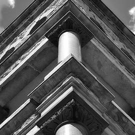Corner Column Cornice