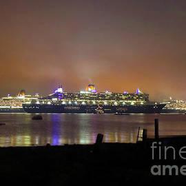 Cunard's 3 Queens by Terri Waters
