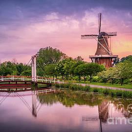 De Zwaan Windmill Reflection, Holland, Michigan by Liesl Walsh