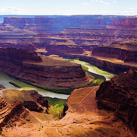 Dead Horse Point Overlook by Lucinda Walter