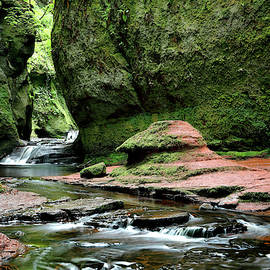 Devils Pulpit by Nicholas Blackwell