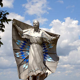 Dignity Statue by Gordon Beck