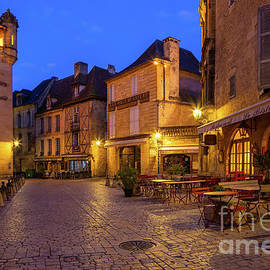 Dordogne Bistrot by Inge Johnsson