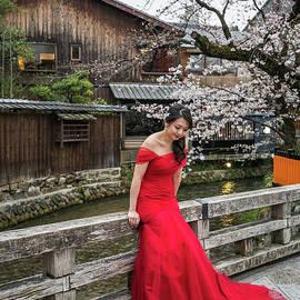 Elegance in Red by Eva Lechner