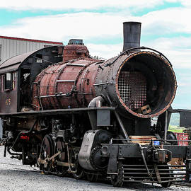 Engine 475 in the Process by William E Rogers