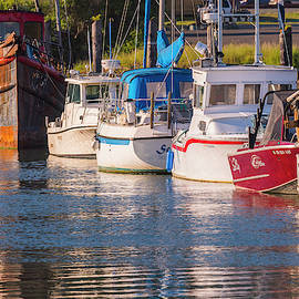Evening At The Harbor by Robert Potts