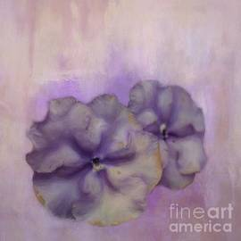 Faded Impatiens by Eva Lechner
