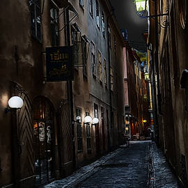 Gamla stan in the night IV by Ramon Martinez