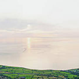 Gyrn Goch Panorama by James Lavott