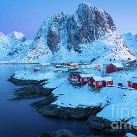 Hamnoy Rorbuer by Inge Johnsson