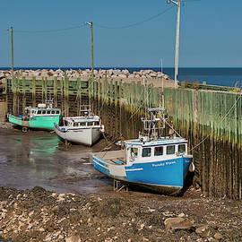 Hampton Harbour by Jurgen Lorenzen
