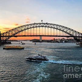Harbour Bridge Silhouettes by Trudee Hunter