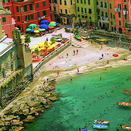 Harbour in Vernazza, Italy by David Smith