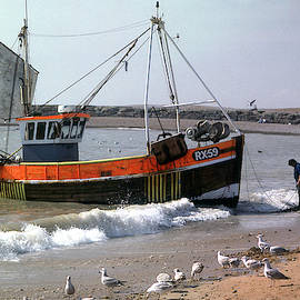 Hastings Fishing Boat by Jerry Griffin